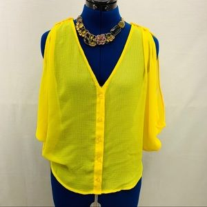 BB Dakota sheer Neon Yellow Top Size M
